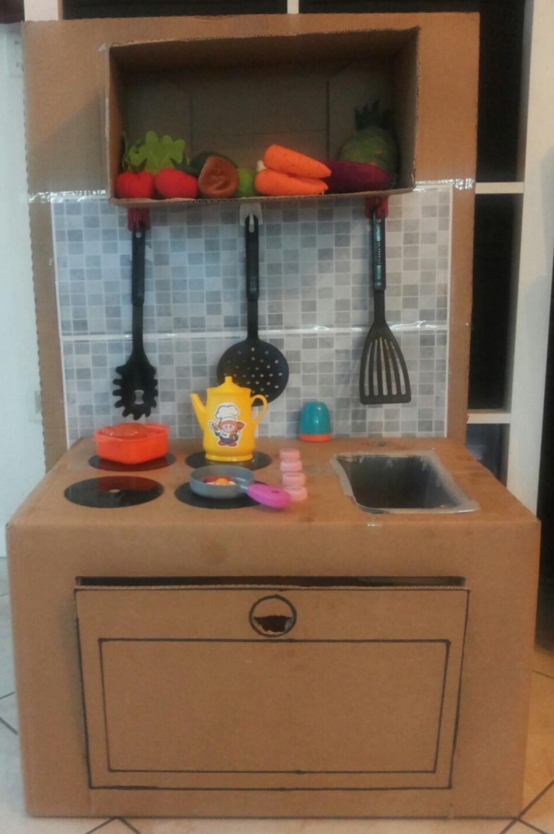 Lavoretti per bambini:La cucina giocattolo...di cartone! - Bimbi ...