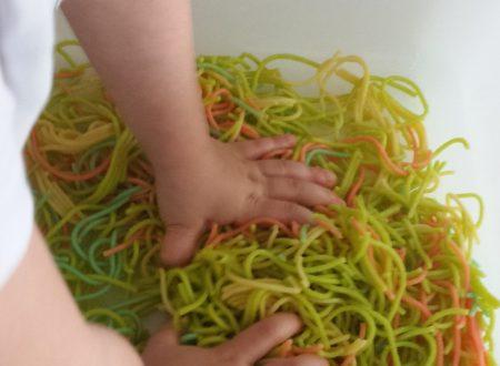 Gioco Sensoriale: Gli Spaghetti Perfetti