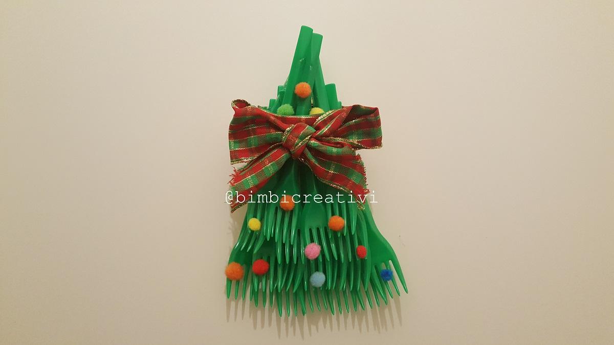 Lavoretti Di Natale Con Nastri.Albero Di Natale Fatto Con Le Forchette Bimbi Creativi