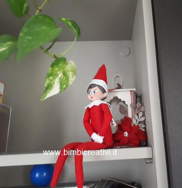 Elfo sulla mensola (Elf on the shelf) compare prima di Natale ed osserva i  bambini per tutto il giorno 2d54c066e426