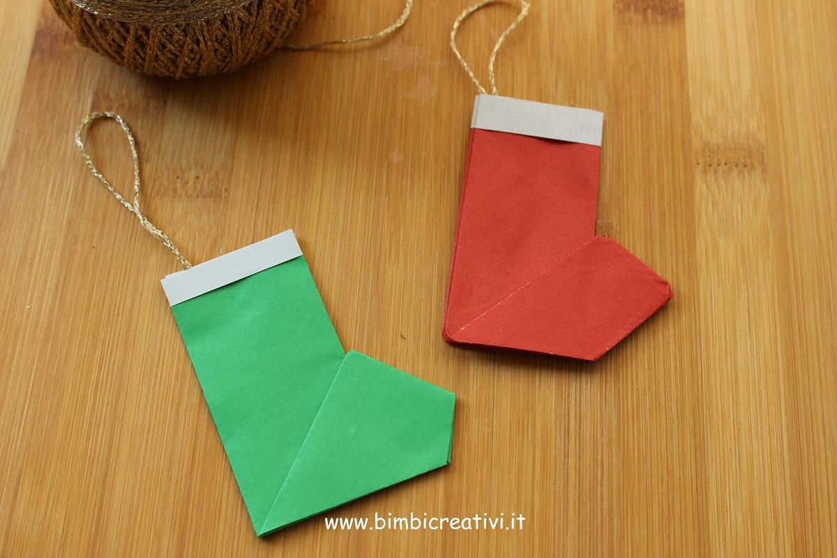Babbo Natale Lavoretti.Lavoretto Di Natale Origami Le Calze Di Babbo Natale E Degli Elfi